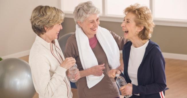 El ejercicio podría proteger a las mujeres mayores de una arritmia cardiaca
