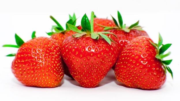 Comer frutillas ayuda a reducir el colesterol
