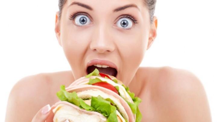 ¿Por qué comer rápido engorda, y comer lento ayuda a adelgazar?